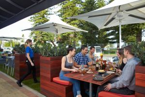 The Harbour Master - Accommodation Airlie Beach