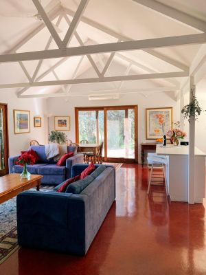 Lost in the Vines - Accommodation Airlie Beach