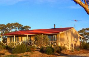 Windmill Cottage - Accommodation Airlie Beach