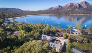 Freycinet Timber Cottage 1 - Accommodation Airlie Beach